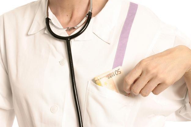Większość lekarzy i prawników w Polsce ukrywa dochody? /© Panthermedia