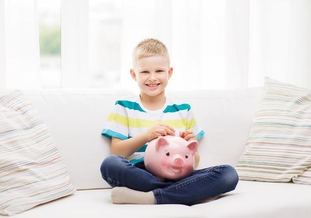 Większość rodziców rozmawia ze swoimi dziećmi na temat finansów /©123RF/PICSEL