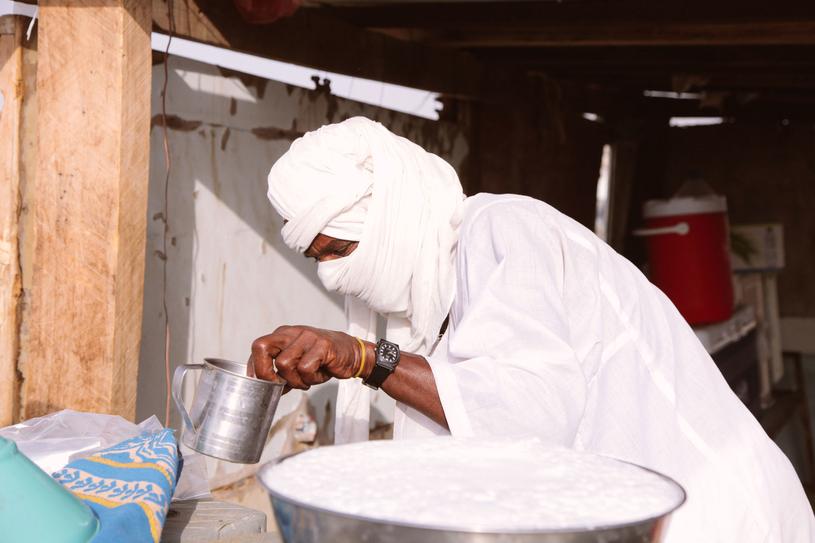 Wielbłądzie mleko opóźnianie procesy starzenia, dlatego interesuje się nim przemysł kosmetyczny /123RF/PICSEL