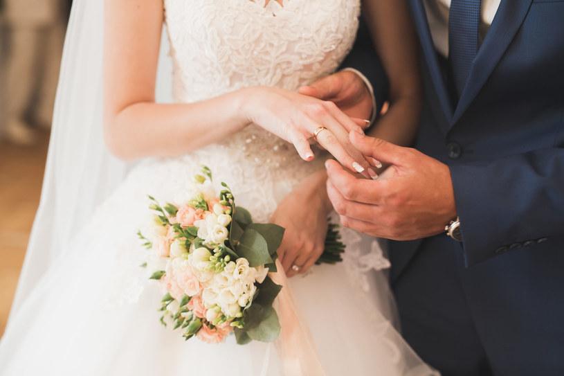 Wiele par odwołało już swoje uroczystości i przeniosło na 2021 rok /123RF/PICSEL