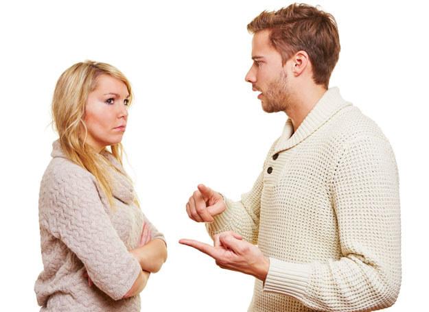 Wiele problemów może rozwiązać spokojna rozmowa /123RF/PICSEL