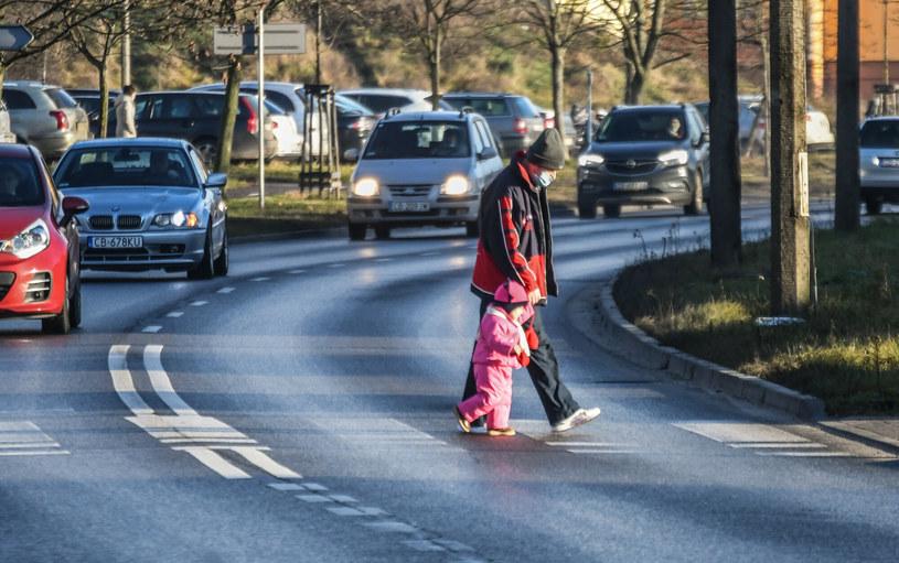 Wiele przejść dla pieszych wymaga natychmiastowej przebudowy /DARIUSZ BLOCH/POLSKA PRESS /East News