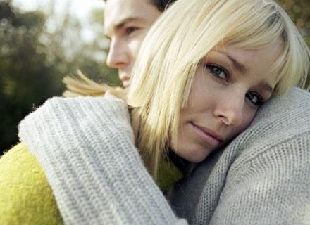 Wiele razy słyszałaś, że trwałe uczucie powinno opierać się wyłącznie na szczerości