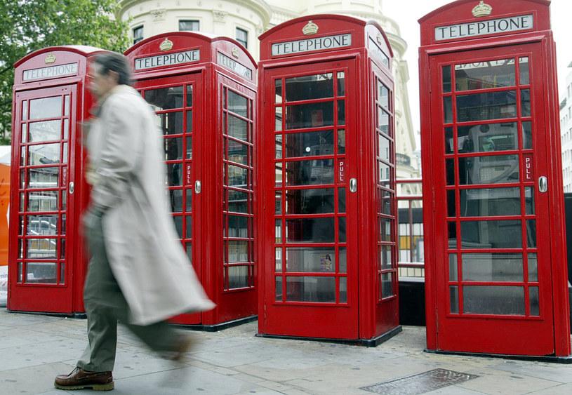 Wiele sektorów brytyjskiej gospodarki polega na pracownikach z zagranicy /AFP