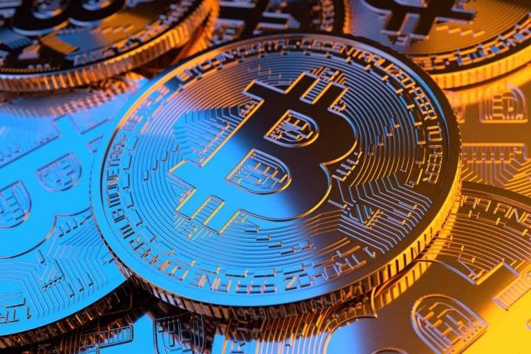 Wiele stron internetowych oferuje dostęp do licznych brokerów specjalizujących się w handlu kryptowalutami / Advantus Media Inc. and QuoteInspector.com /materiały promocyjne