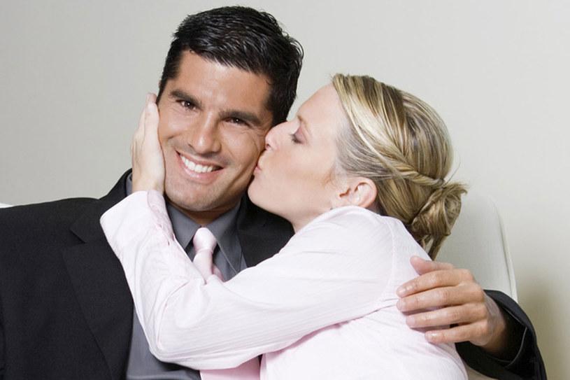 randki romans z szefem biuraprofile randkowe, które wyróżniają się przykładami