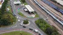 Wielka Brytania: Kierowcy ustawiają się w długich kolejkach po benzynę