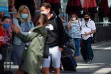 Wielka Brytania: Niemal 3,5 razy więcej zgonów na COVID-19 niż na zapalenie płuc i grypę
