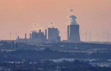 Wielka Brytania podnosi cel redukcji emisji CO2 w 2030 roku do 68 proc.