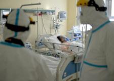 Wielka Brytania: Sąd zezwolił na odłączenie pacjentki z trwałymi powikłaniami po COVID-19. Jest sparaliżowana od szyi w dół