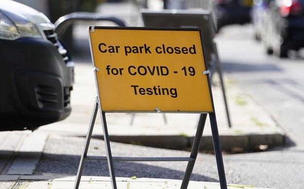 Wielka Brytania: Znacznie więcej zgonów na Covid-19 niż na zapalenie płuc i grypę