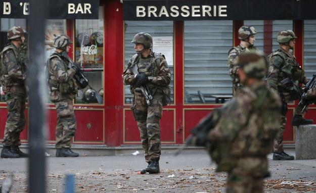 """Wielka operacja francuskich służb w Saint-Denis. Celem był domniemany """"mózg"""" zamachów"""
