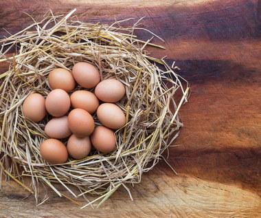 Wielkanoc 2021: Jak ozdobić pisanki woskiem?