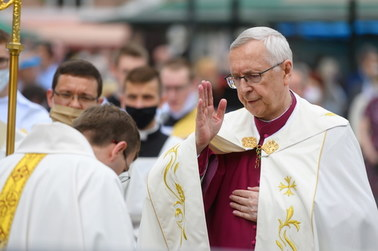 Wielkanoc w kościołach. Episkopat apeluje: Przestrzegajcie limitów