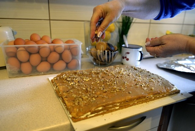 """Wielkanocne wypieki to """"bomba kaloryczna"""" /Darek Delmanowicz /PAP"""