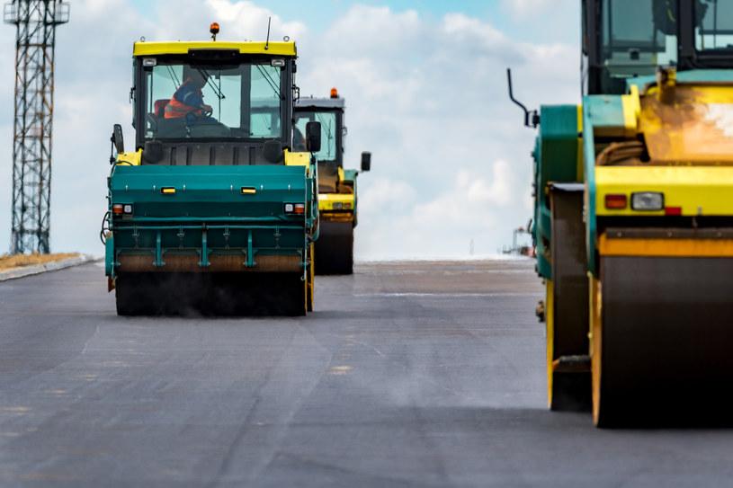 Wielki drogowy ring już budzi niezadowolenie mieszkańców /123RF/PICSEL