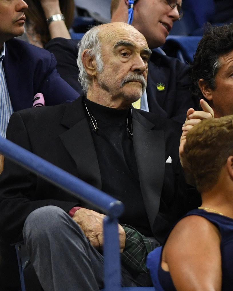 Wielki fan sportu. Tak Sean Connery prezentował się w 2017 roku na tenisowym turnieju US Open /MediaPunch / BACKGRID /East News