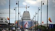Wielki portret Jana Pawła II w Wilanowie