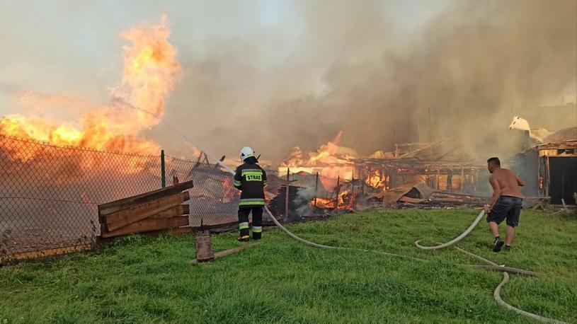 Wielki pożar wybuchł w sobotę we wsi Nowa Biała w powiecie nowotarskim /Piotr Korczak /East News