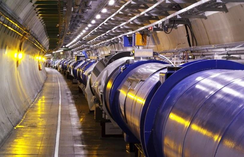 Wielki Zderzacz Hadronów jest w stanie odnaleźć miniaturowe czarne dziury /materiały prasowe