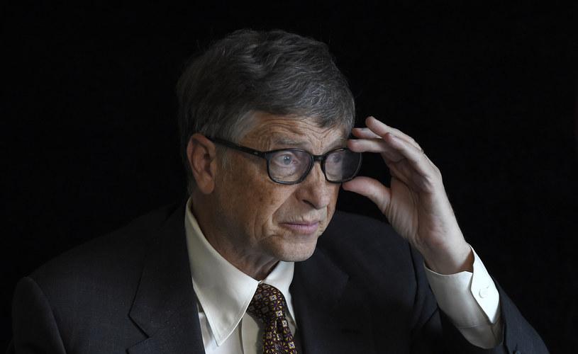 Wielkie umysły tego świata są zaniepokojone rozwojem sztucznej inteligencj. Także Bill Gates /AFP