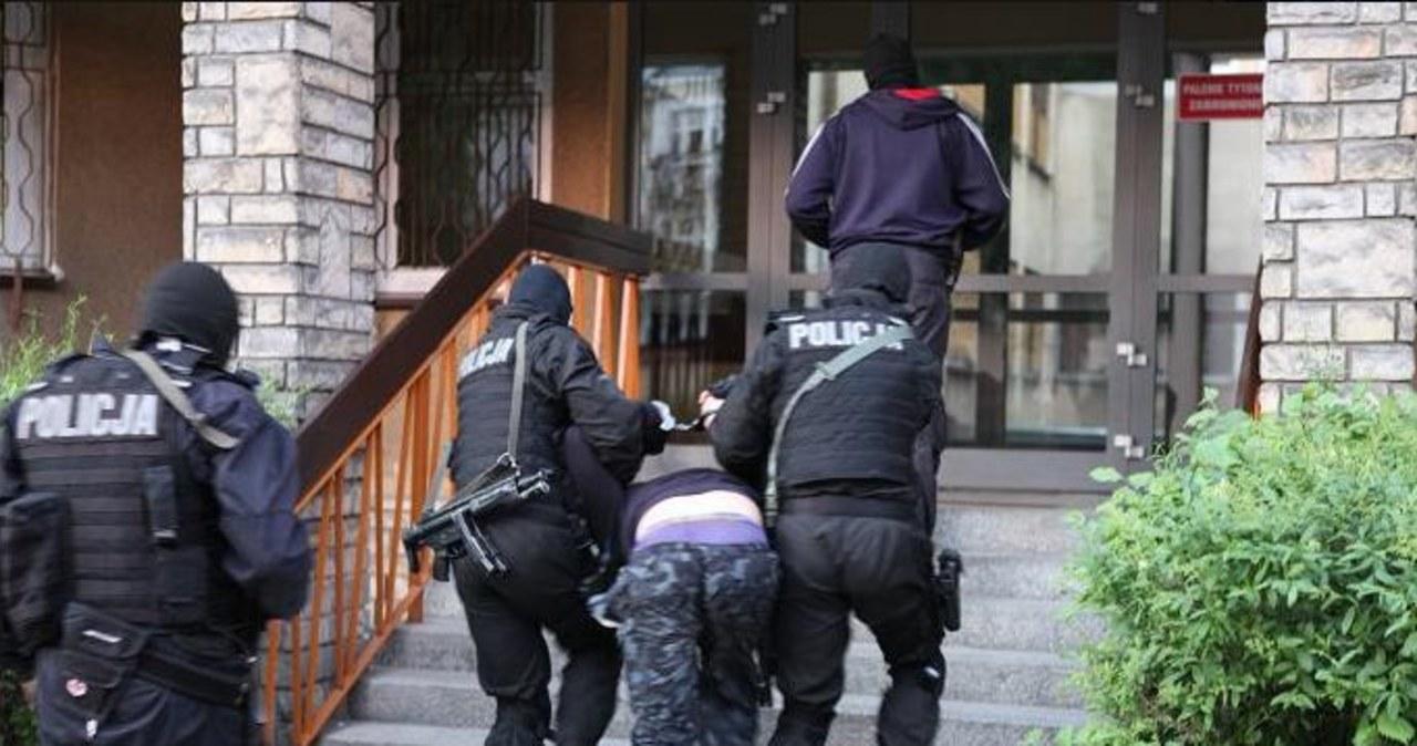 Wielkopolska: Policja uwolniła 19-latka porwanego dla okupu
