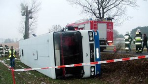 Wielkopolskie: Osiem osób w szpitalu po wypadku autobusu