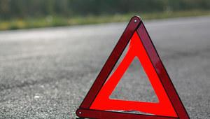 Wielkopolskie: Zderzenie cysterny z autem osobowym. Zablokowana dk 11