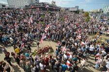 """Wielotysięczna manifestacja na ulicach Mińska. """"Nie wybaczymy!"""""""