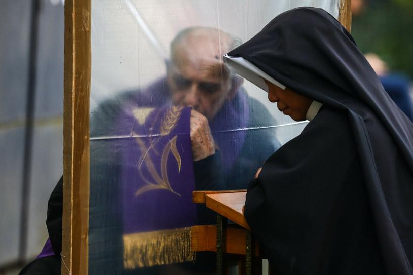 Wielu chorych wspomina w swoich modlitwach kardynała Wyszyńskiego /Beata Zawrzel/REPORTER /East News
