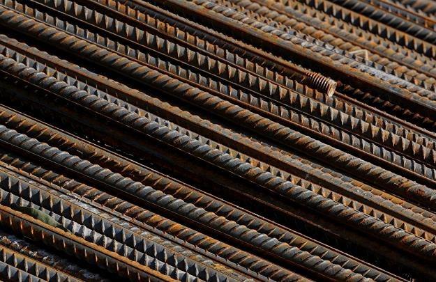 Wielu naszych producentów już od miesięcy przegrywa walkę z importerami /AFP