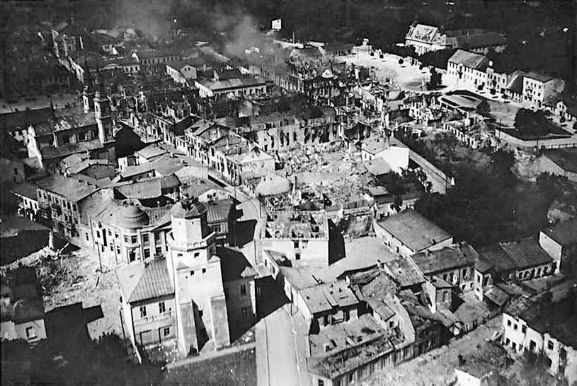Wieluń. Centrum miasta po zbombardowaniu 1 września 1939 r. przez samoloty Luftwaffe /Agencja FORUM