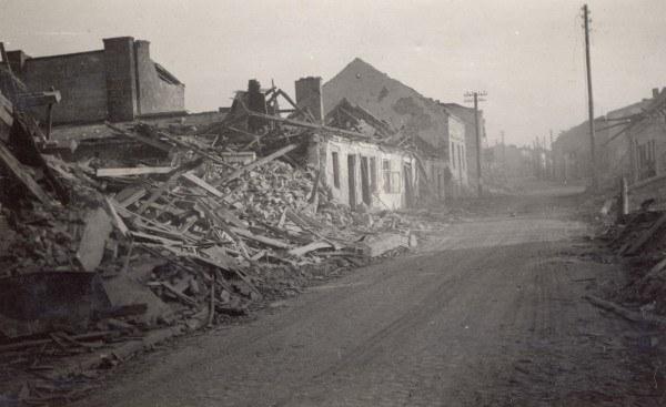 Wieluń zniszczony po bombardowaniu, 1939 r. /Z archiwum T. Wiśniewskiego /Agencja FORUM