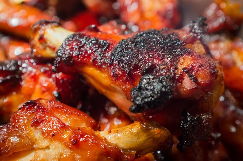 Wiesz, jak grillować, by było zdrowo i smacznie? /123RF/PICSEL