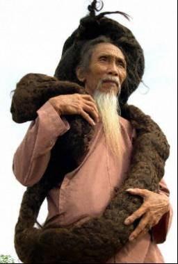 Wietnamczyk nie dał zarobić fryzjerowi przez 30 lat /AFP