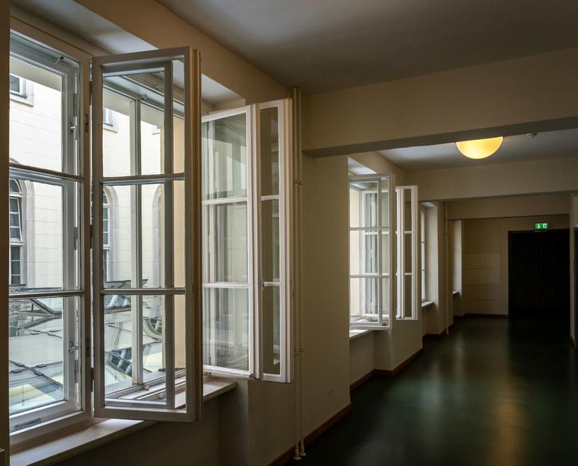 Wietrzenie pomieszczenia; zdj. ilustracyjne /123RF/PICSEL
