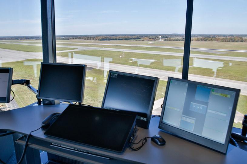 Wieża kontroli lotów w Katowicach /Tomasz Kawka /East News