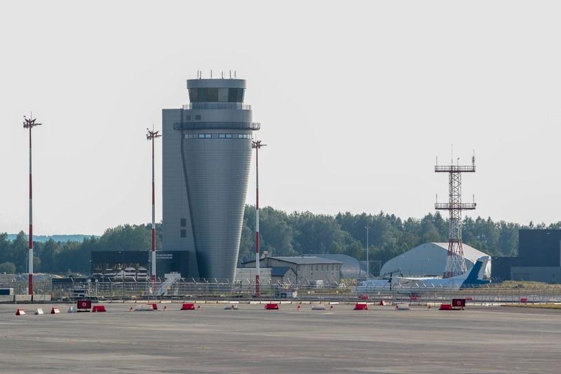 Wieża kontroli lotów w Pyrzowicach (zdjęcie ilustracyjne) /Tomasz Kudala /Reporter