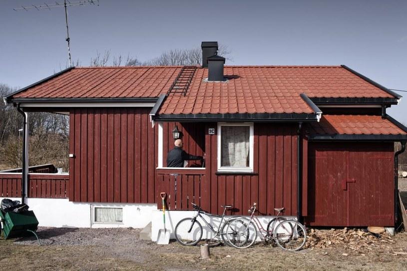 Więzienie Bastøy to drewniane domki połączone ze sobą dróżkami / Marco Di Lauro / Contributor /Getty Images