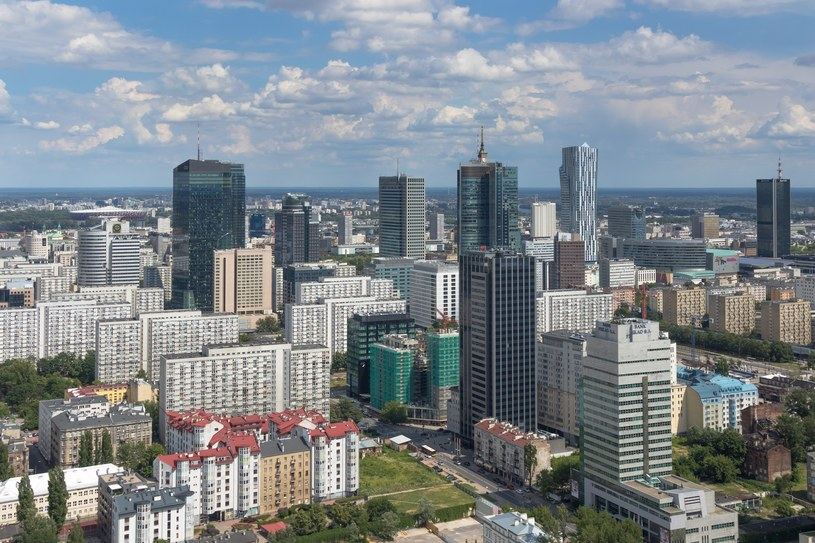 Wieżowce w centrum Warszawy / Arkadiusz Ziolek /East News