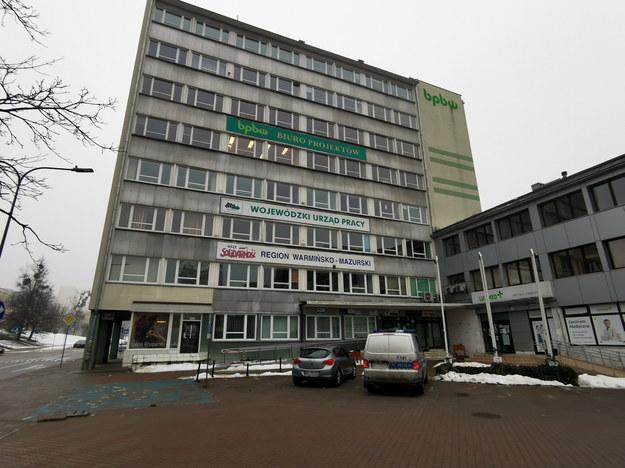 Wieżowiec przy ul. Głowackiego w centrum Olsztyna, w którym siedzibę ma na czwartym piętrze obrabowany kantor /Piotr Bułakowski /RMF FM