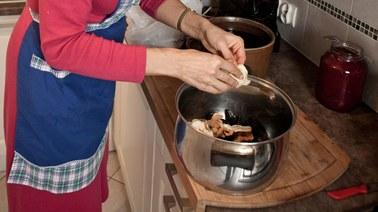 Wigilijne smaki: Kompot z suszu i grzyby w cieście