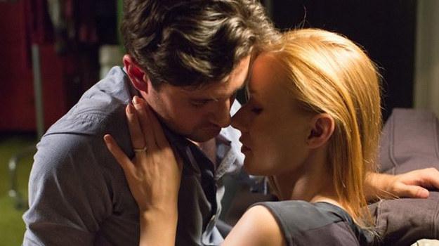 Wiki i Adam zawsze czuli do siebie miętę. Ślub jednak definitywnie zakończy ich dwuznaczną znajomość. /www.nadobre.tvp.pl/