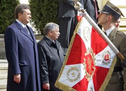 Wiktor Janukowycz i Jarosław Kaczyński /AFP