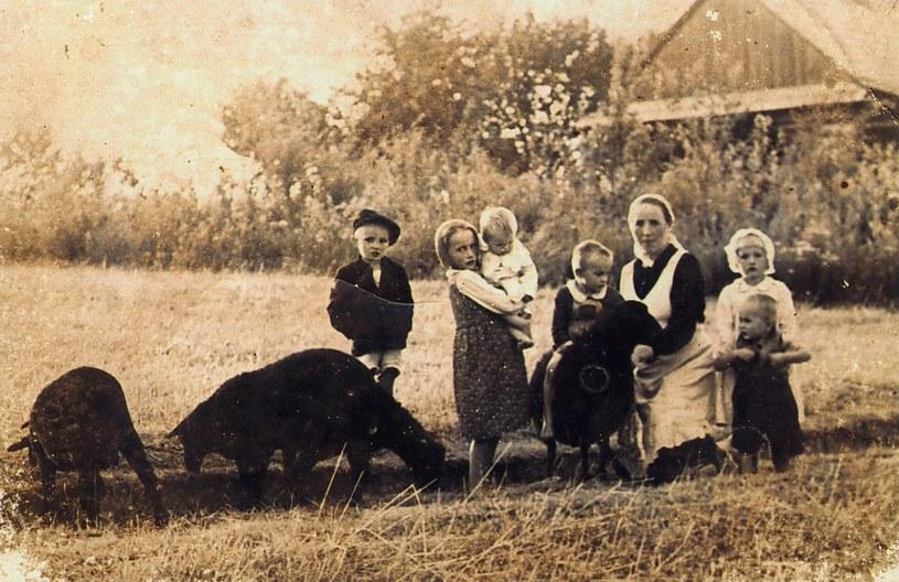 Wiktoria Ulma z dziećmi /autor: Józef Ulma /Muzeum Polaków Ratujących Żydów podczas II wojny światowej im. Rodziny Ulmów w Markowej /