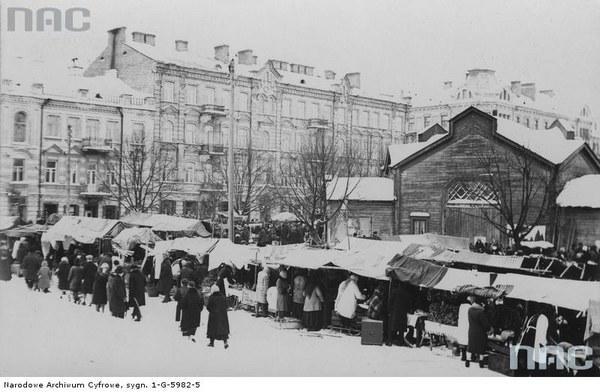 Jarmark odpustowy w dniu św. Kazimierza tzw. Kaziuki na rynku Łukiszki (placu Łukiskim) w Wilnie, 1929