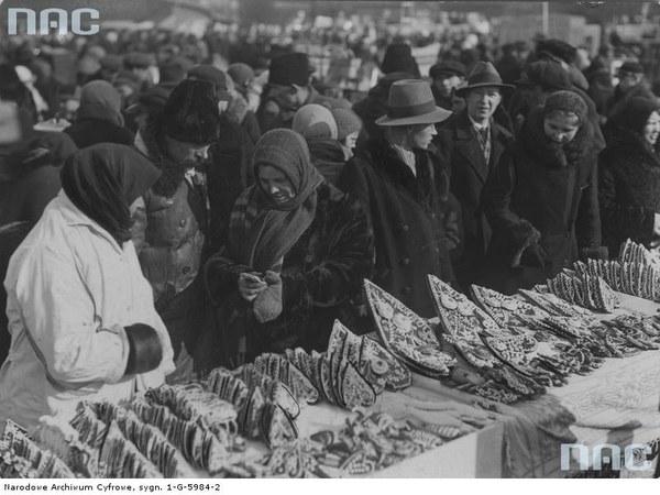 Jarmark odpustowy w dniu św. Kazimierza tzw. Kaziuki na rynku Łukiszki (placu Łukiskim) w Wilnie, 1932