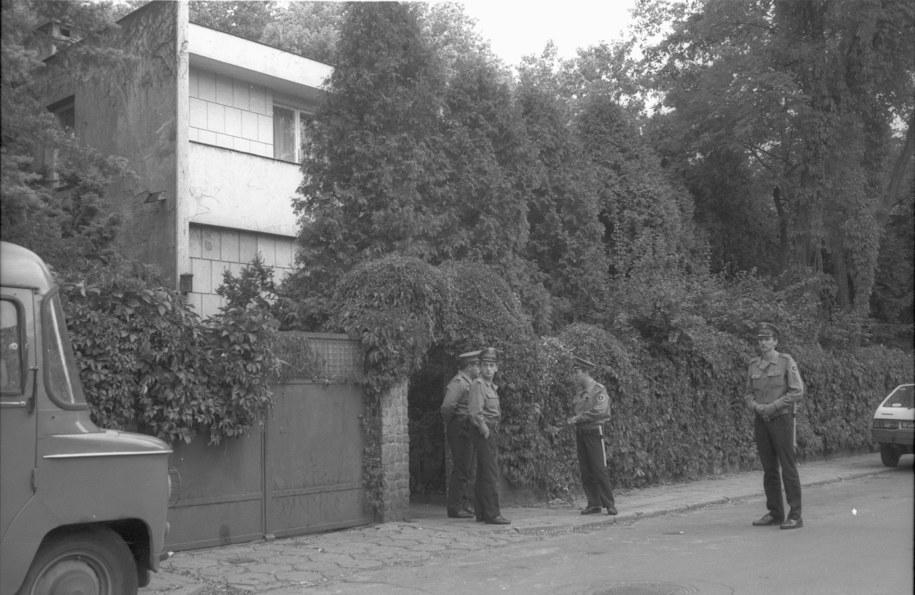 Willa Jaroszewiczów w Aninie, w której zamordowano b. premiera Piotra Jaroszewicza i jego małżonkę Alicję Solską (zdj. archiwalne) /Teodor Walczak /PAP