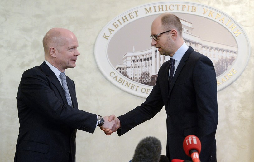 William Hague i Arsenij Jaceniuk /AFP