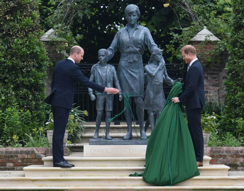 William i Harry niedawno się spotkali, ale ponoć nie doszło do pogodzenia /Dominic Lipinski   /Getty Images